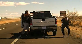 VIDEO : Grisly video shows New Mexico cop's shooting death during traffic stop